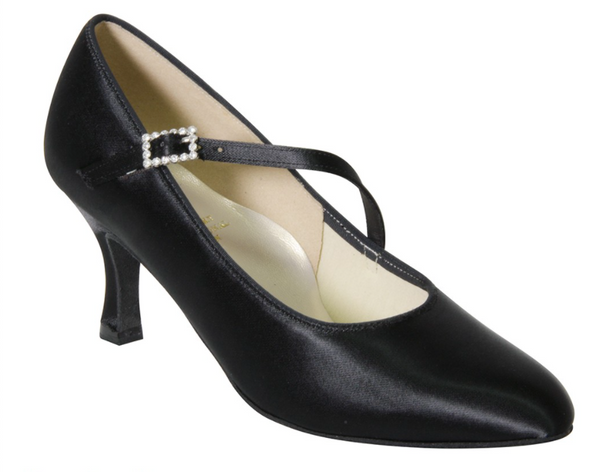 Paris court shoes are the ultimate Ballroom dance shoe and a firm favourite at DSI London.  The elegant closed toe shape is extremely flattering for the foot and creates a stylish finish for this Ballroom dance shoe. The cross strap provides additional support whilst adding detail with the glamorous high quality crystal buckle.