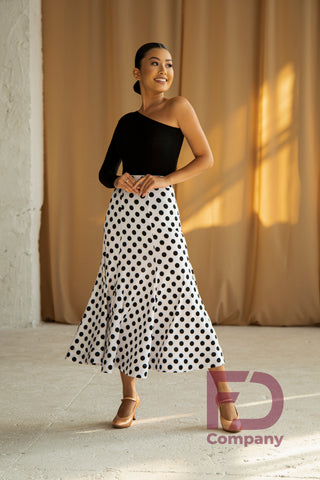 Free Australia-wide standard shipping with tracking.  Cheap and efficient worldwide shipping with Australia Post plus tracking.  Stylish Ballroom Skirt with 6 panels, stitched stretch waist band and finished with a 5cm wide crinoline inside the hem.  Made using stretch jersey with polka dot print.