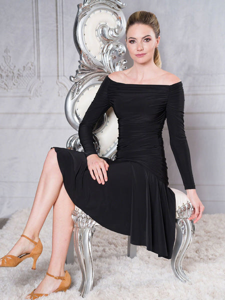 FREE AUSTRALIA-WIDE SHIPPING with tracking!  This is a very simple latin skirt, with full movement and smooth saddle.  A very cost effective option for the beginner.  Perfect for lessons, evening wear or performance!