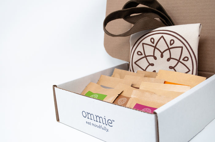 OPEN YOUR HEART GIFT BOX - ommiesnacks.com