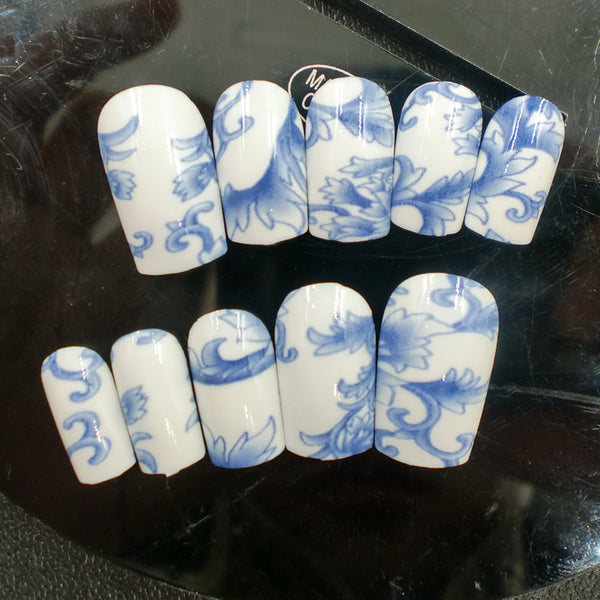 Blue and white Nails | Blue Nails | Metallic Nails | False Nails | Acrylic nails | Fake nails | Artificial nails | glue on nails | Press on nails