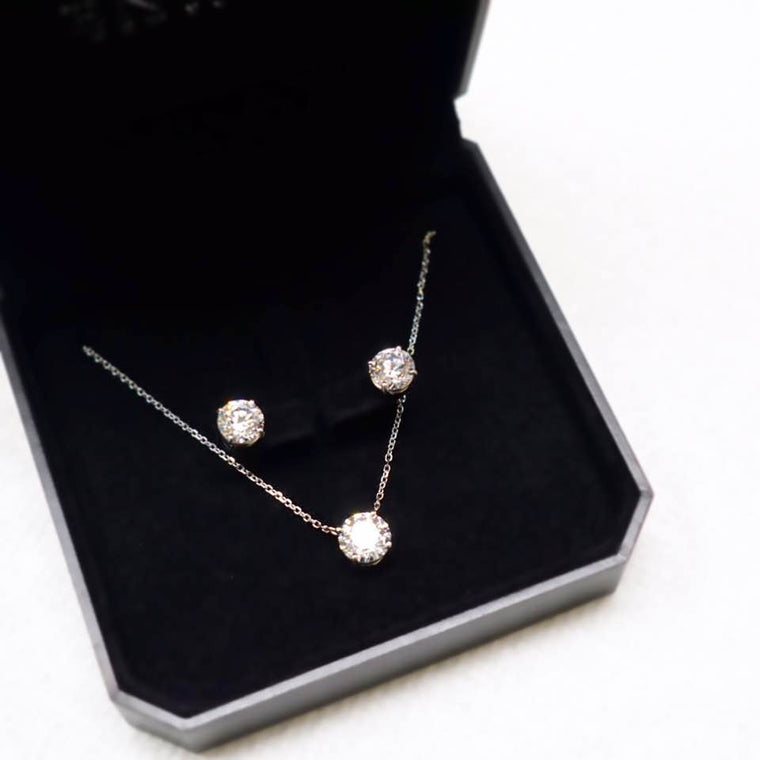 4 Prong Solitaire Necklace (0.5ct, 1ct, 2ct, 3ct)