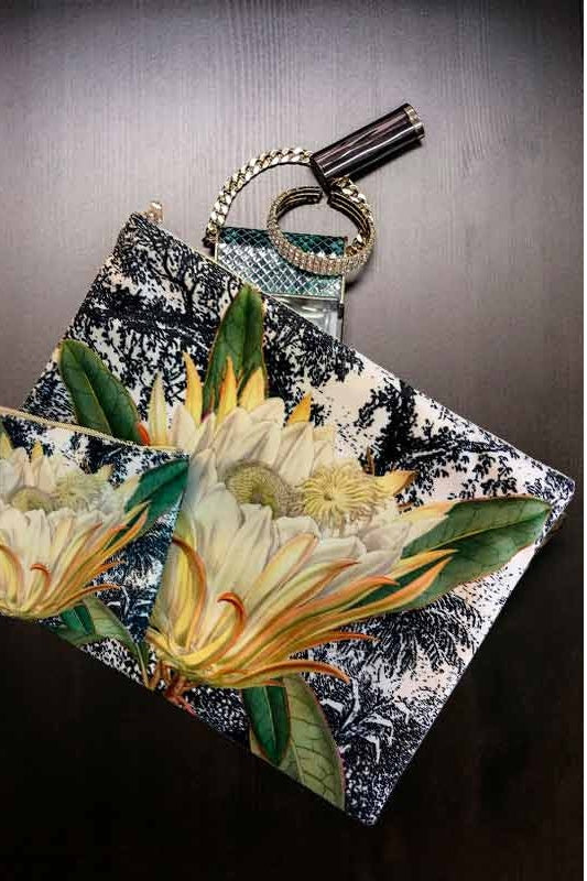 Make-Up Bag with Velvet Pouch - Waterlilly