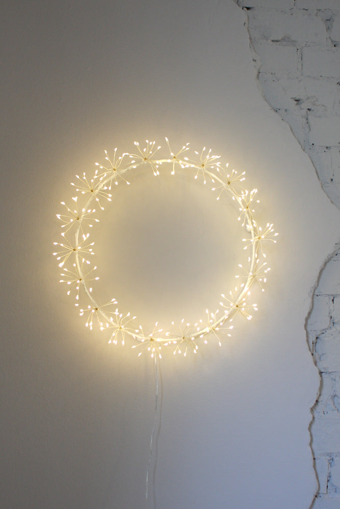 Starburst Wreath 35cm | White