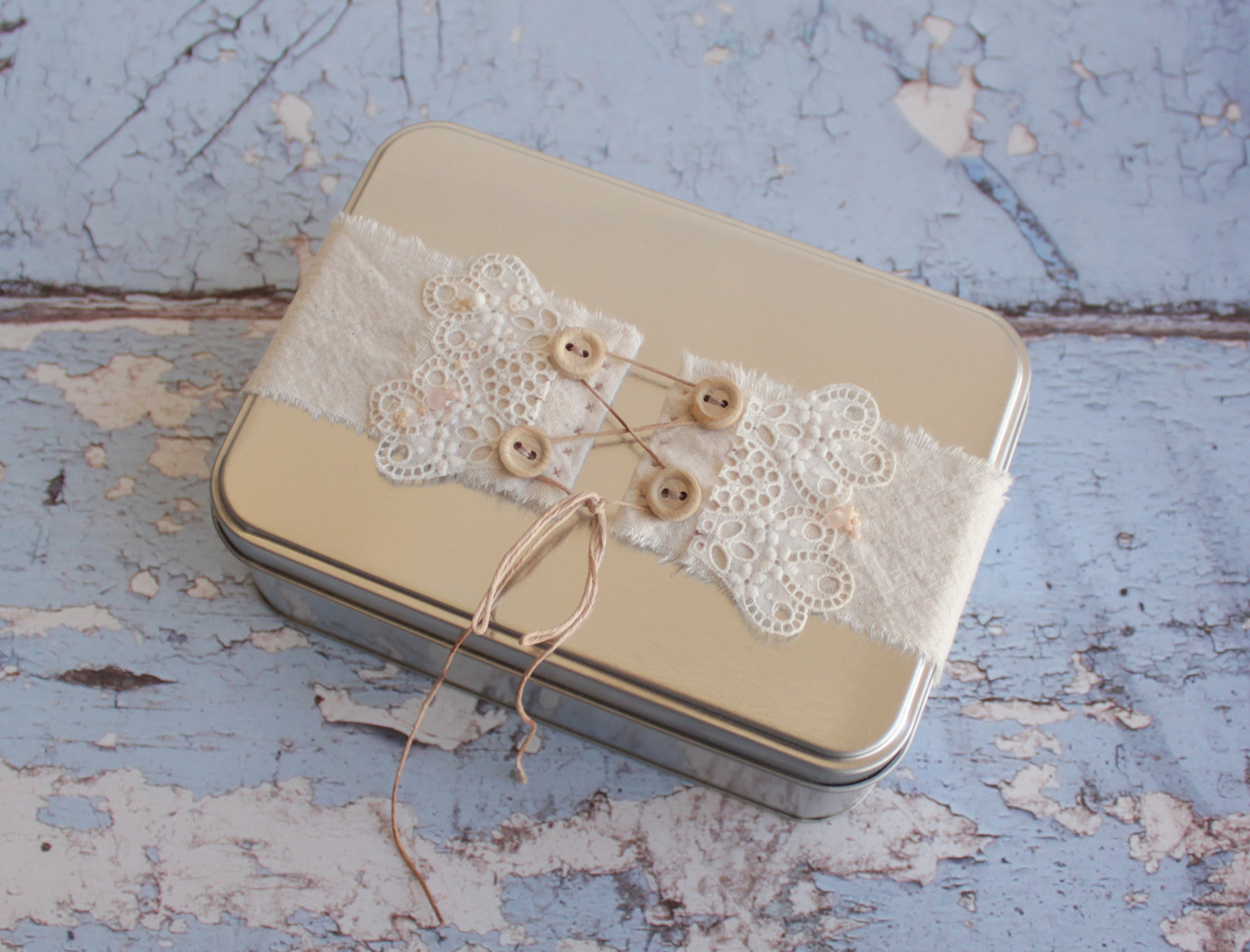 Romantic gift set - handmade lacy bird, heart, card and tin box