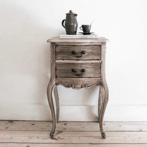 Igigi Bedside Table