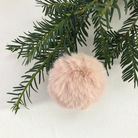 Fluffy Old-Pink Bauble