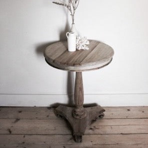 Igigi Wine Pedestal Table