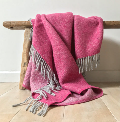 Pure New Wool Boa Throw in Pink 200cm