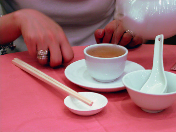 Why The Chinese Tap 2 Fingers with Every Pour of Tea