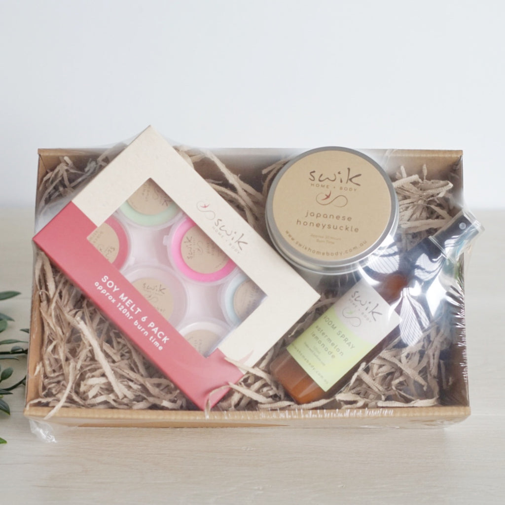 Gift Pack 3 - Candle / Room Spray / 6 Pack Melts