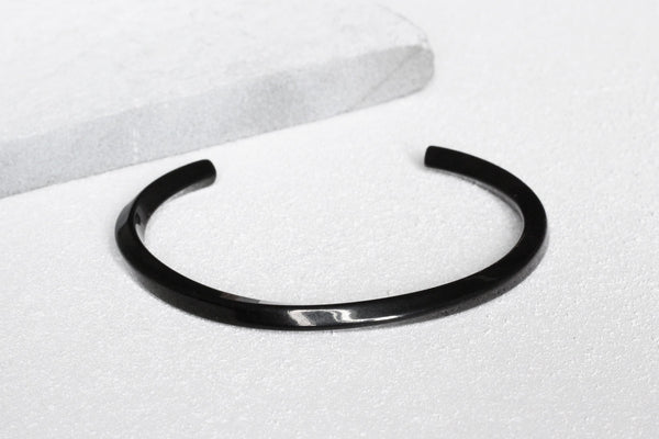KURV Black Bangle
