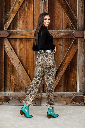 BROWN LEOPARD PRINT MID RISE FRAYED BOTTOM ANKLE BOYFRIEND JEAN