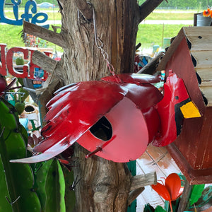 RED BIRD BIRDHOUSE