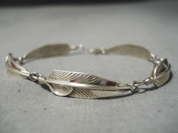 Detailed Vintage Navajo Sterling Silver Feathers Bracelet Native American Old