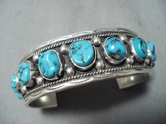 Striking Vintage Native American Navajo Old Kingman Turquoise Sterling Silver Bracelet