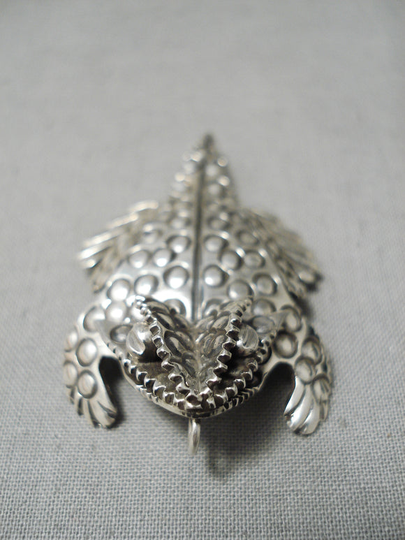 Wonderful Hand Carved Native American Navajo Sterling Silver Horny Toad Pendant