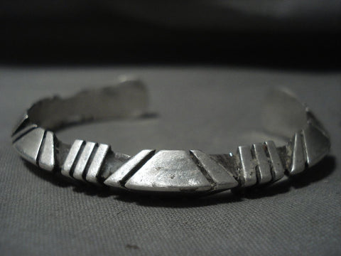 Advanced Native American Jewelry Silver Technique Vintage Navajo Native American Jewelry Silver Bracelet Old-Nativo Arts