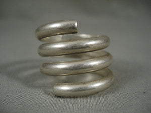 Advanced Native American Jewelry Silver Work Vintage Navajo Swirl Ring Old-Nativo Arts