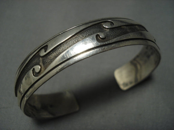 Amazing Vintage Navajo Water Wave Sterling Native American Jewelry Silver Bracelet Old Pawn-Nativo Arts