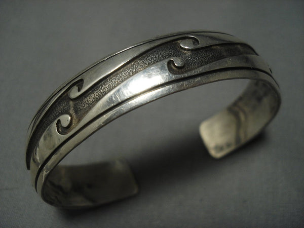 Amazing Vintage Navajo Water Wave Sterling Native American Jewelry Silver Bracelet Old Pawn