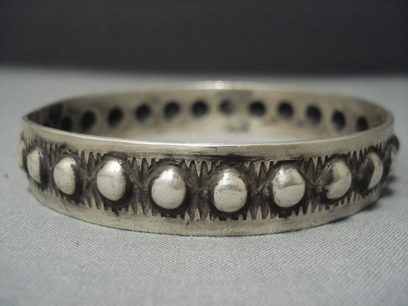 Beautiful Navajo Sterling Native American Jewelry Silver Repoussed Bangle Bracelet-Nativo Arts