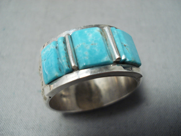 Distinctive Navajo Native American Old Kingman Turquoise Sterling Silver Ring