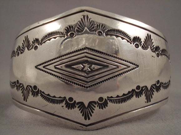 Convex Vintage Navajo Sterling Native American Jewelry Silver Bracelet Old Pawn-Nativo Arts