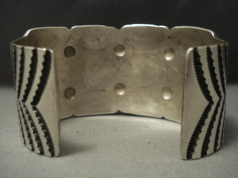 Eye Catching Vintage Navajo Sterling Native American Jewelry Silver Bracelet Cuff .925-Nativo Arts