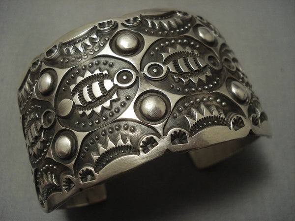 Eye Catching Vintage Navajo Sterling Native American Jewelry Silver Bracelet Cuff .925