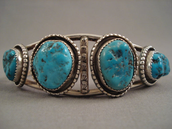 Marvelous Navajo Old Kingman Turquoise Sterling Native American Jewelry Silver Bracelet