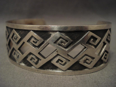 Museum Vintage Hopi wave And See Thru Native American Jewelry Silver Bracelet Old-Nativo Arts