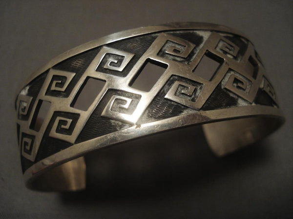 Museum Vintage Hopi wave And See Thru Native American Jewelry Silver Bracelet Old