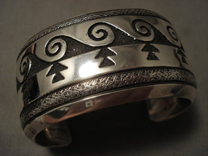 Museum Wide Vintage Navajo Thomas Singer Wave Native American Jewelry Silver Bracelet Old-Nativo Arts