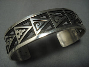 Opulent Vintage Hopi Gene Pooyama Sterling Native American Jewelry Silver Window Bracelet Old-Nativo Arts