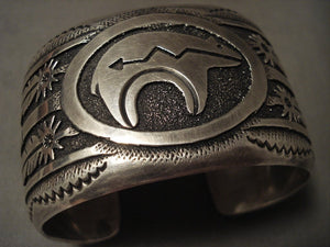 Super Wide Vintage Navajo Native American Jewelry jewelry Thomas Singer Bear Bracelet Old-Nativo Arts