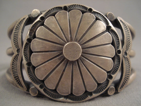 Tremendous Vintage Navajo Floral Scalloped Sterling Native American Jewelry Silver Bracelet-Nativo Arts