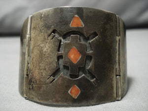 Unique!! Vintage Native American Navajo Coral Sterling Silver Patina Clasp Bracelet Old-Nativo Arts