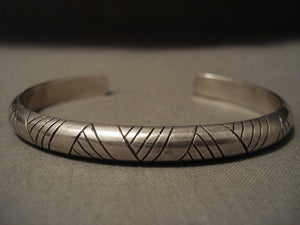 Very Important Vintage Navajo Wes Willie 'Precise' Native American Jewelry Silver Bracelet Old-Nativo Arts