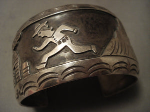 Wide Vintage Navajo 'Running Man' Navajo Native American Jewelry Silver Bracelet Old-Nativo Arts