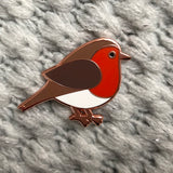 robin pin badge, christmas pin badge, robin enamel pin, robin badge, bird enamel pin, gift for bird lover, pin for christmas jumper, robin