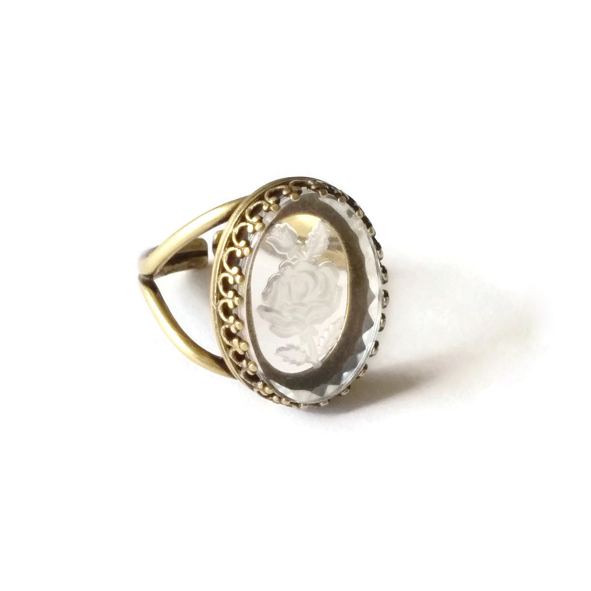 Intaglio ring with rose