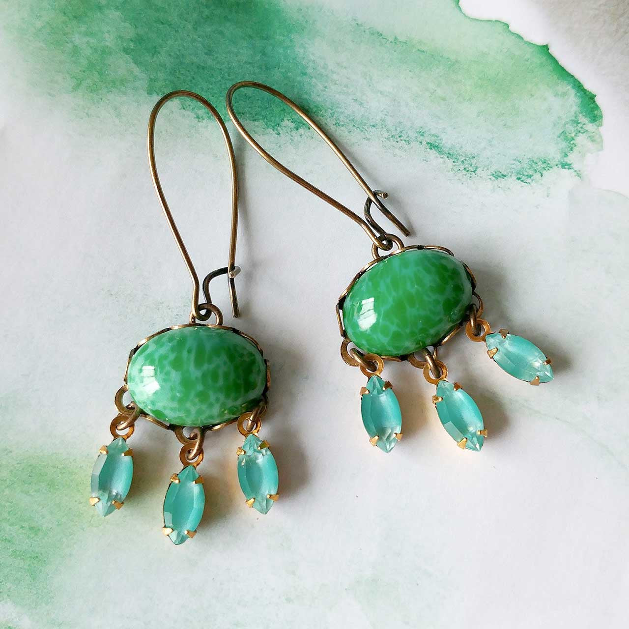 BACK IN STOCK! Craving Green Earrings (SD1270)