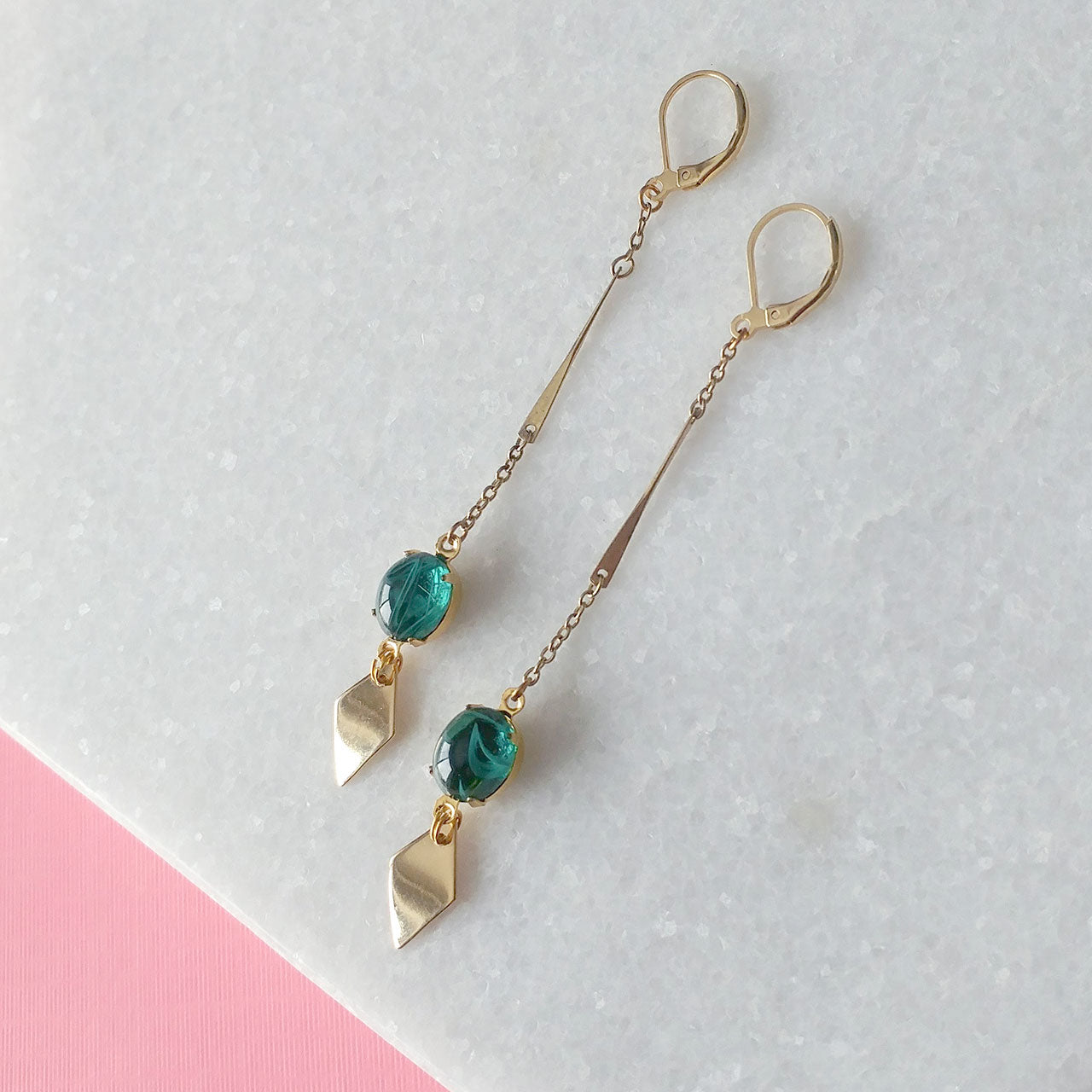 Pointy Toe Earrings in green (SD1408)