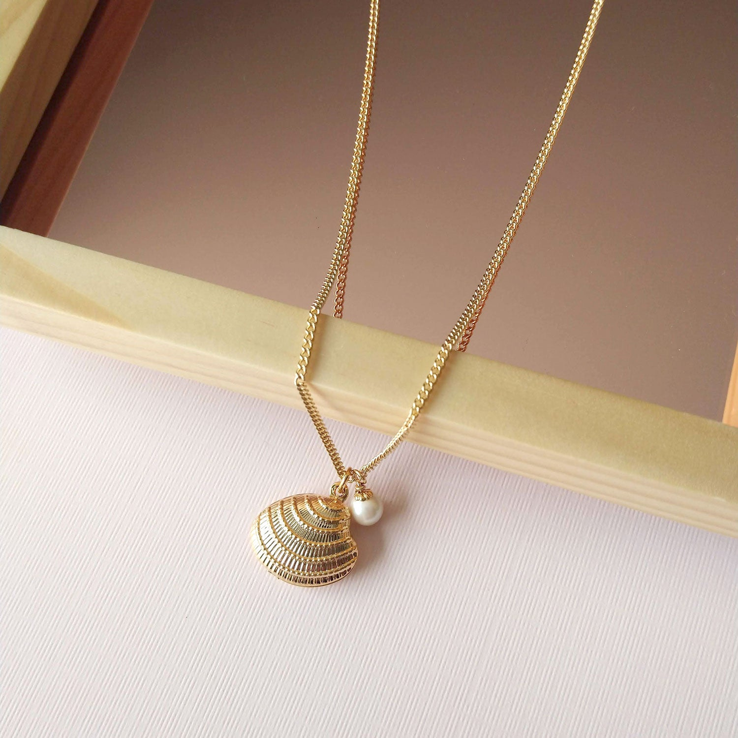 Oyster charm necklace (SD1473)