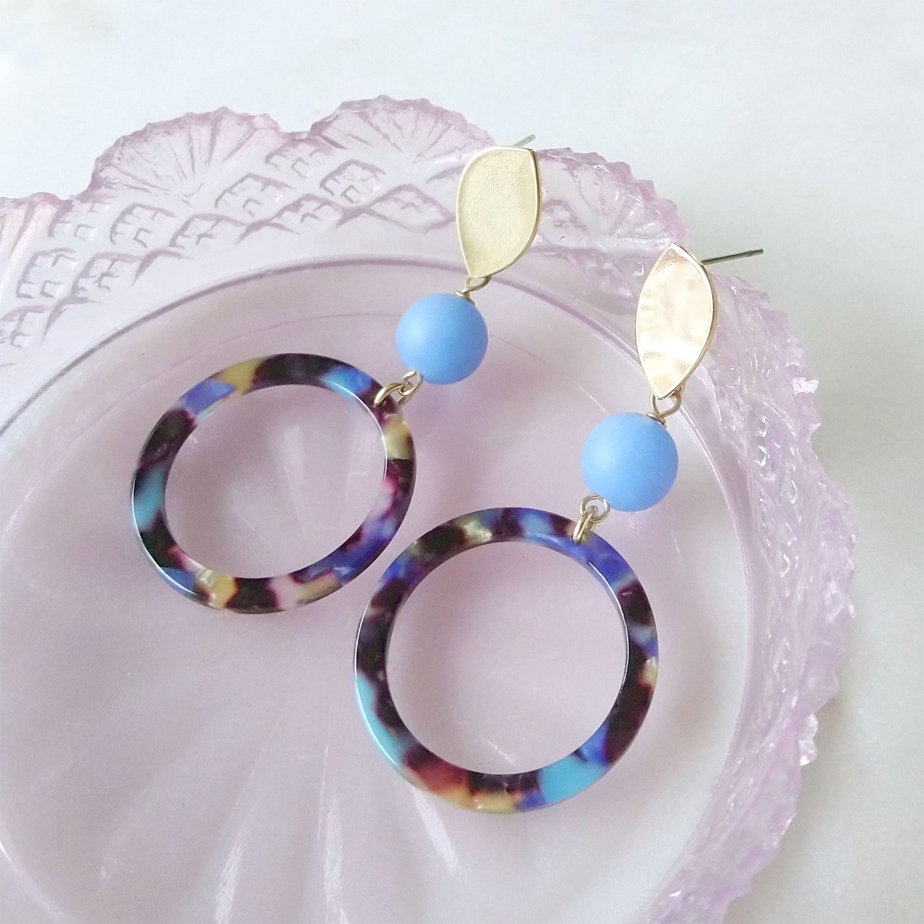 blue and gold earrings boucles d'oreilles anneaux acétate