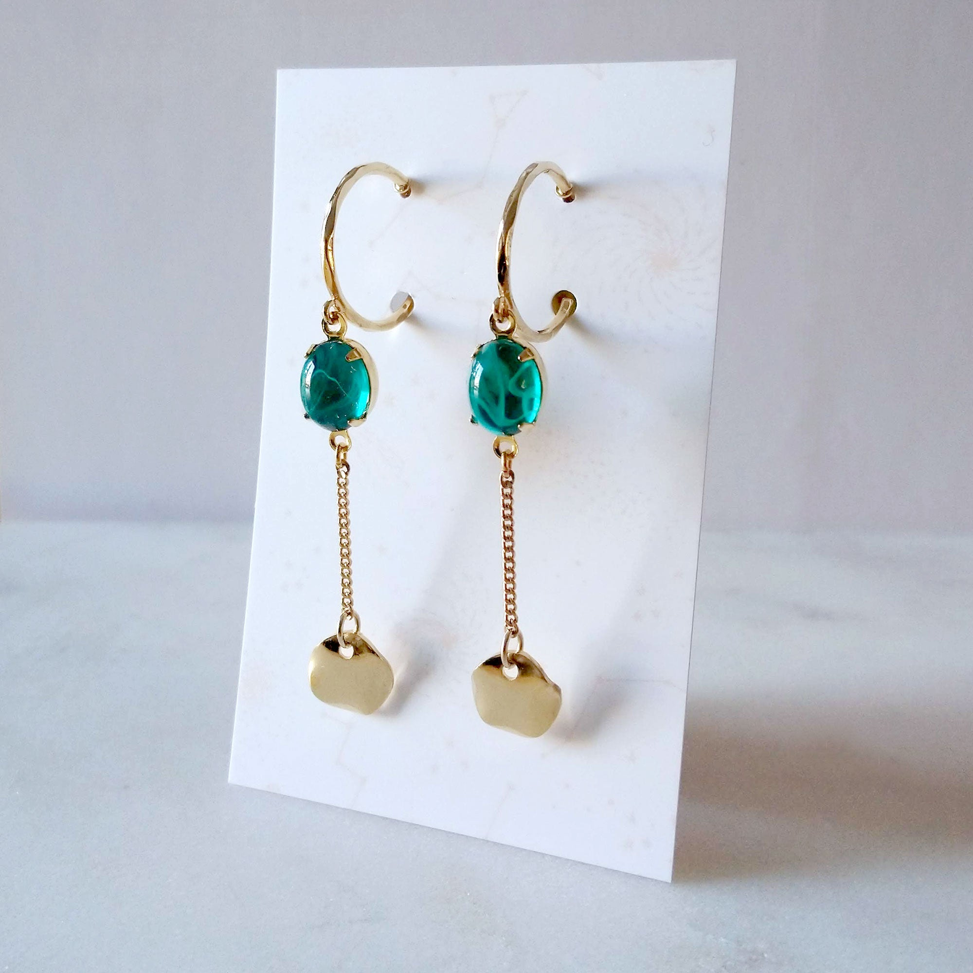 emerald green earrings golden hoops bijoux québécois anneaux or