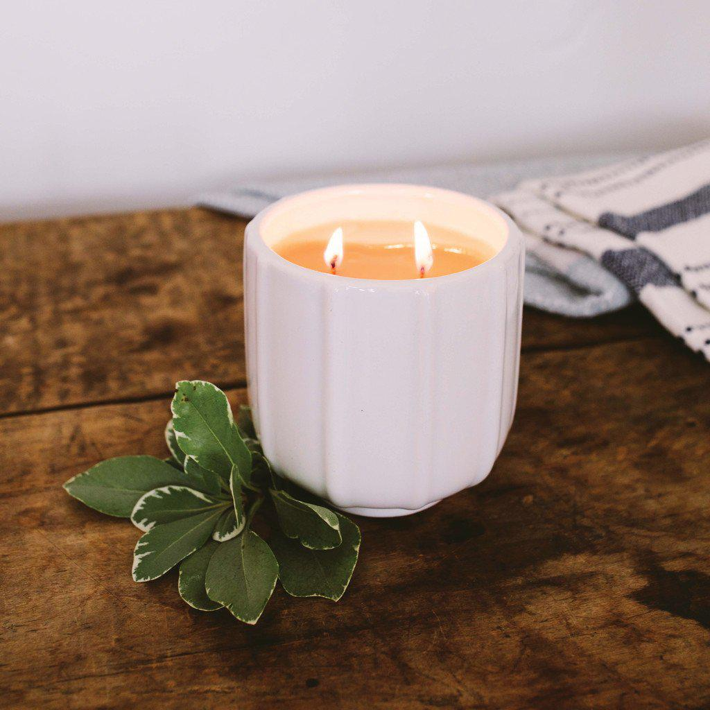 "Modern White Ceramic Candle ""Sweet Grace"""
