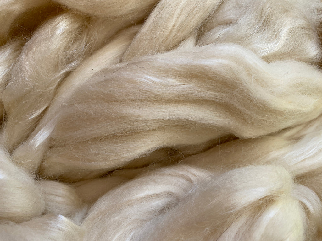 Blue Faced Leicester Wool/Bleached Tussah Silk Top 100g - White