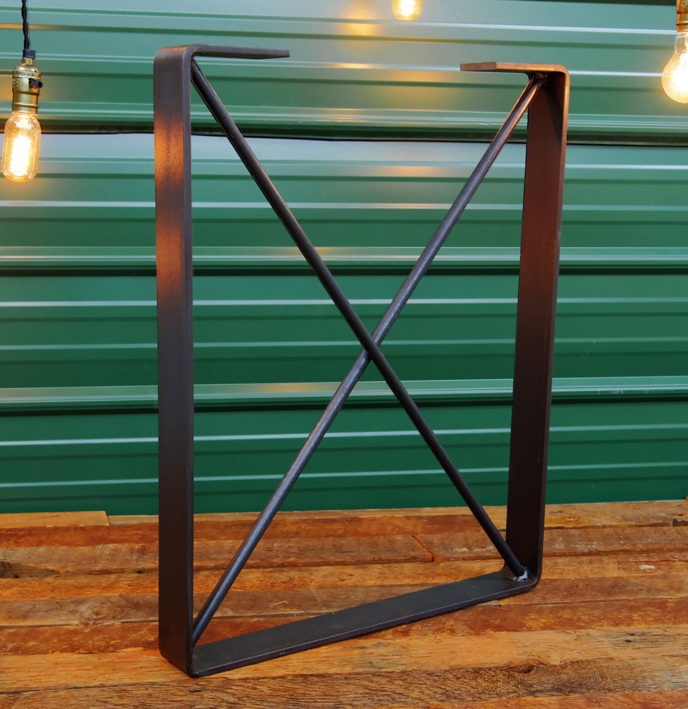 Metal desk leg 'Corral' by Symmetry Hardware